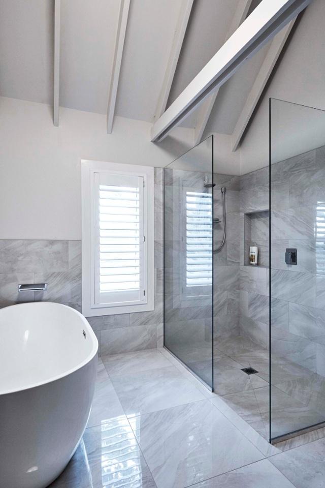 17 HB0317 bathroom ensuite White Pointer-1.jpg
