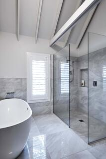 17 HB0317 bathroom ensuite White Pointer.jpg