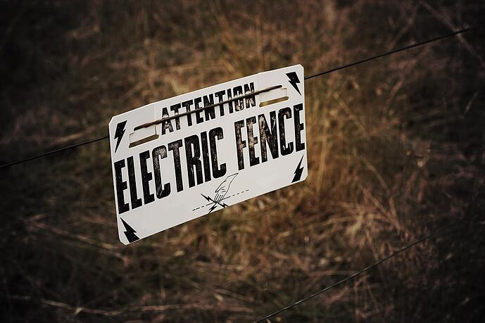 electric fence compliance